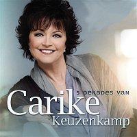 Přední strana obalu CD 5 Dekades van Carike Keuzenkamp