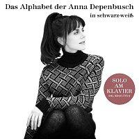 Anna Depenbusch – Das Alphabet der Anna Depenbusch in Schwarz-Weisz. Solo am Klavier