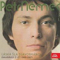 Přední strana obalu CD Láska šla slavobránou (nahrávky z let 1969-1987)
