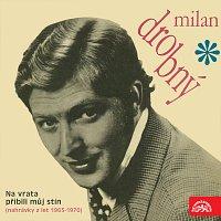 Přední strana obalu CD Na vrata přibili můj stín (nahrávky z let 1965 - 1970)