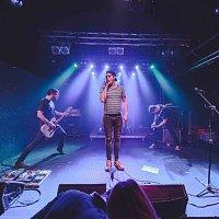 Kohout plaší smrt – Písnička Veselá live