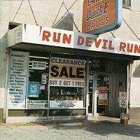 Přední strana obalu CD Run Devil Run