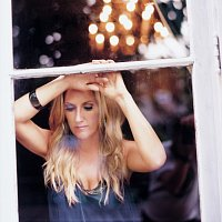 Lee Ann Womack – There Is A God