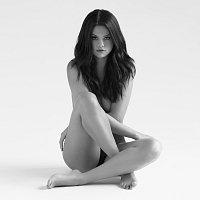 Selena Gomez – Revival