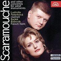 Přední strana obalu CD Scaramouche a další koncerty pro dechové nástroje