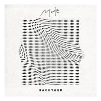 Přední strana obalu CD Backyard EP