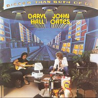 Daryl Hall, John Oates – Bigger Than Both Of Us