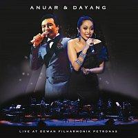 Přední strana obalu CD Anuar and Dayang Live At Dewan Filharmonik Petronas