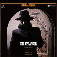 Přední strana obalu CD A Stranger / Zkus se životu dál smát