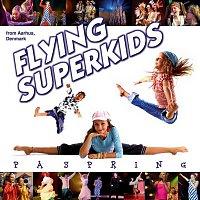 Flying Superkids – Pa Spring